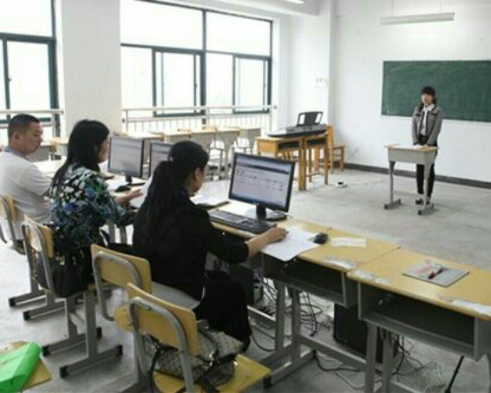 红豆live:校服资格证面试结构化面试(1)教师心远初中图片